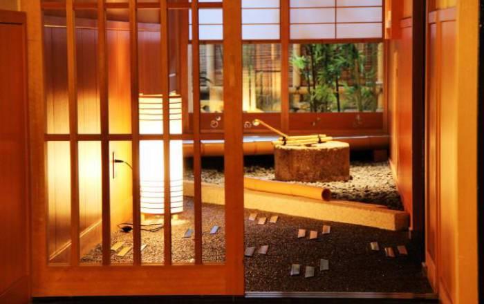 Une décoration raffinée dans laquelle le bois est omniprésent