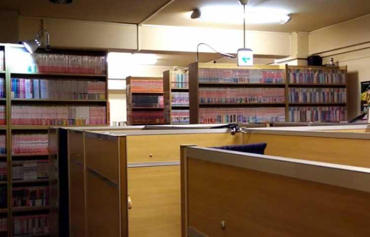 Grand Manga Kissa Au Japon : Une Nuit Dans Lu0027univers Manga