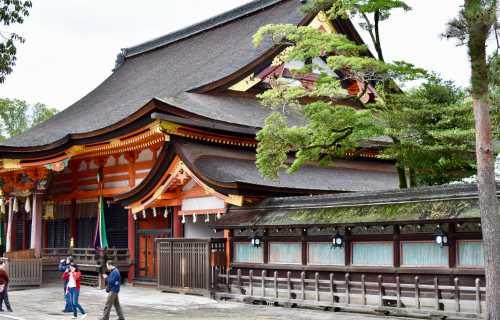 Quelle est la différence entre sanctuaire et un temple?