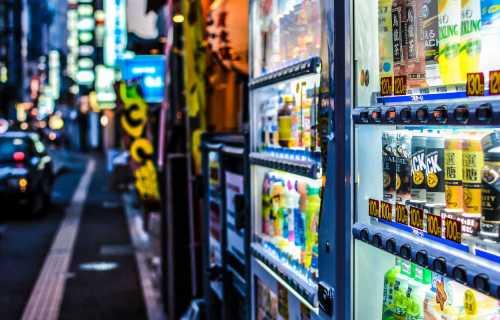 Distributeurs automatiques au Japon : pourquoi il y en a partout