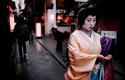 Pourquoi les geisha sont assimilées à la prostitution