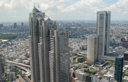 Shinjuku le quartier des gratte-ciels de Tokyo