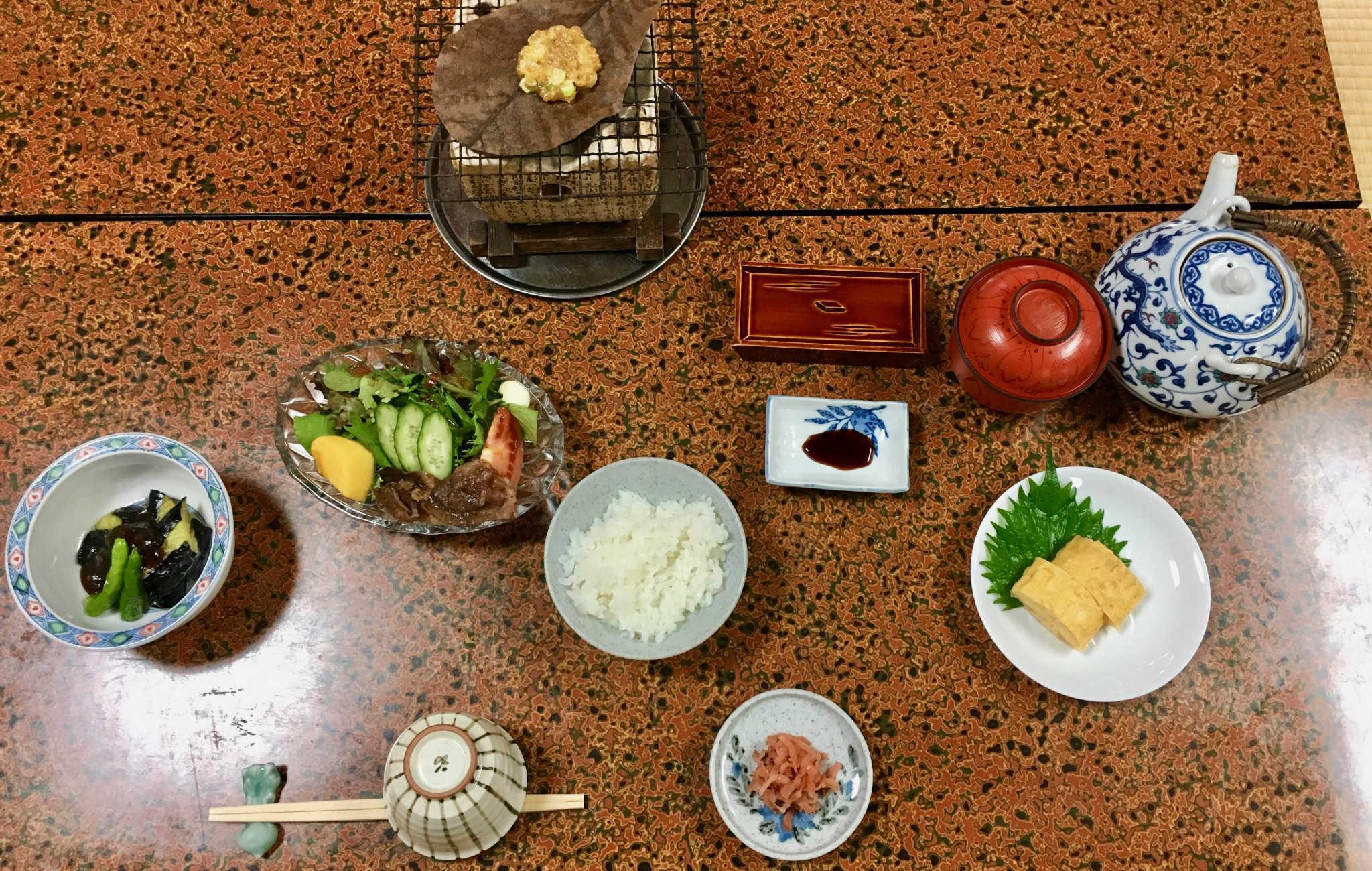 Petit déjeuner traditionnel japonais