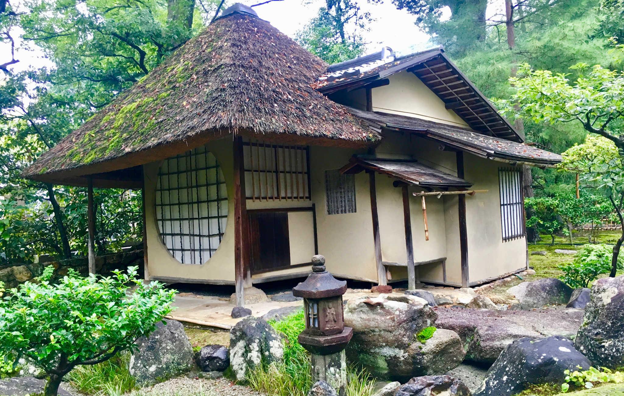 Maison de thé dans le jardin Kodai-ji à Kyoto
