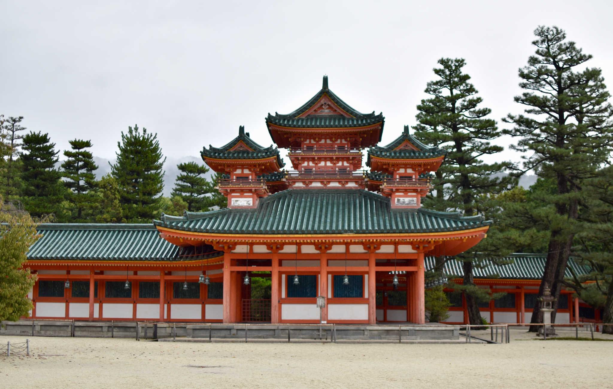 L'architecture du sanctuaire est vraiment impressionnante