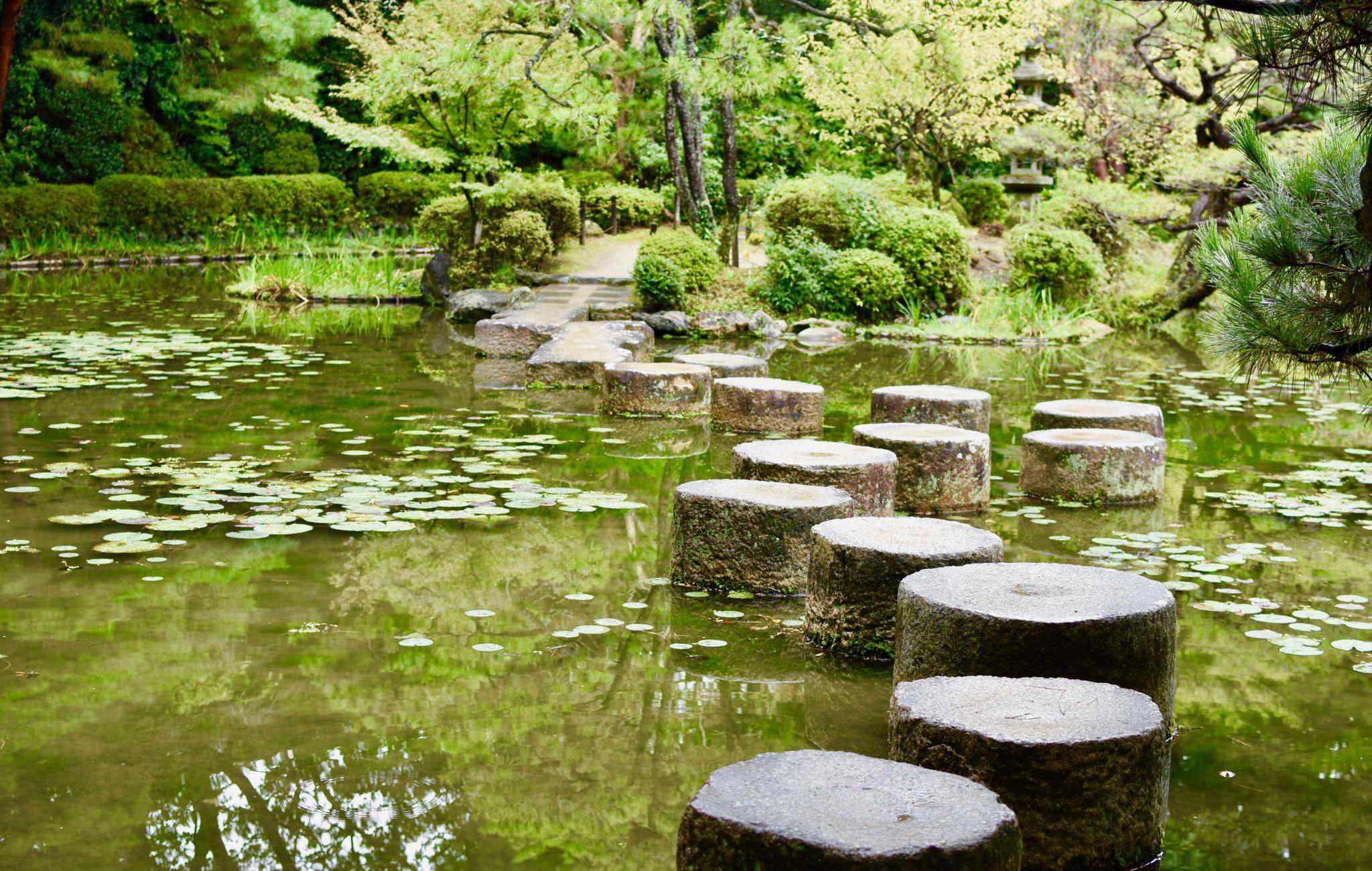 Oserez vous traverser sur ces gros blocs de granit ?