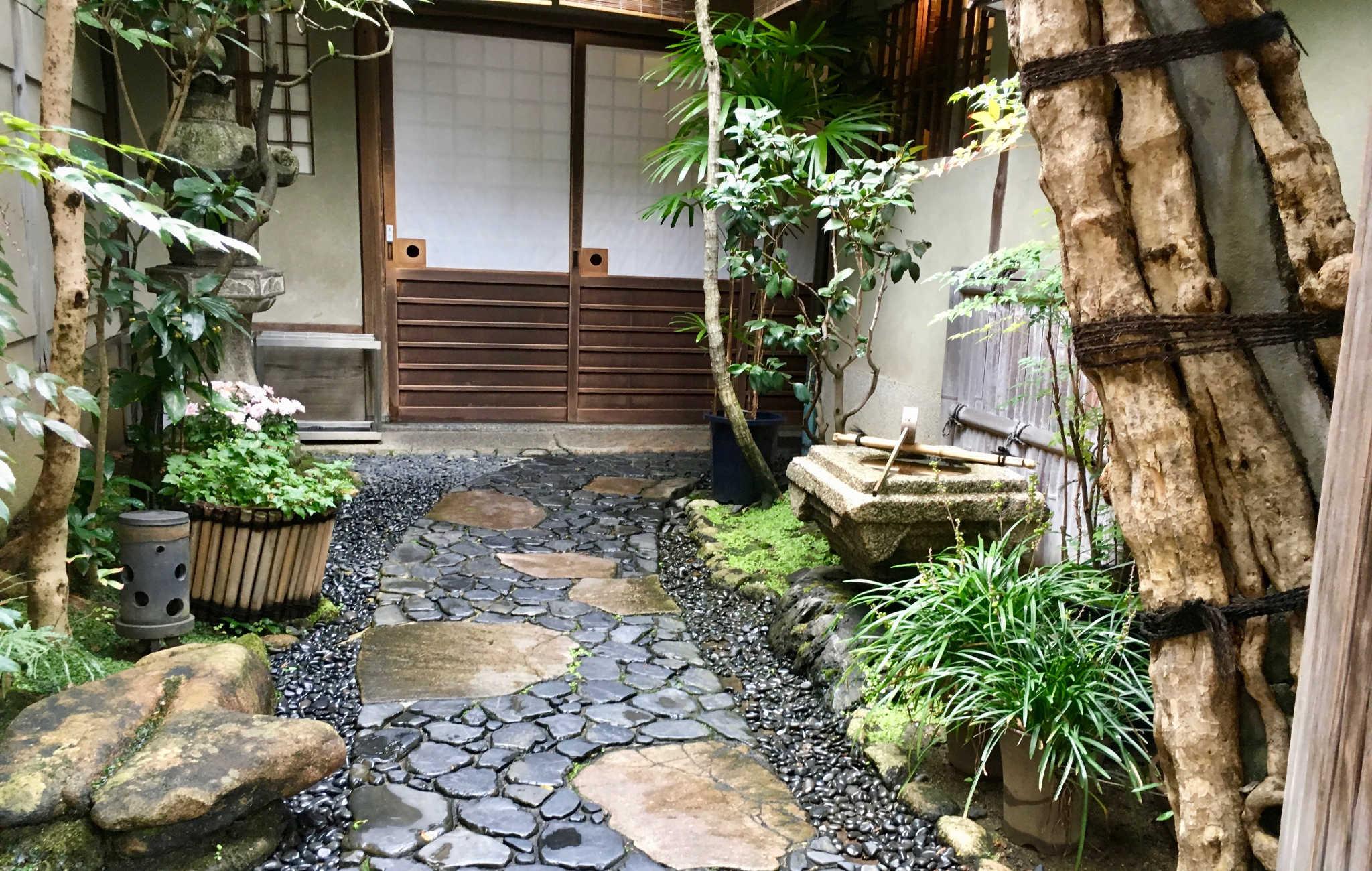 La plupart des ryokans ont un petit jardin très bien entretenu