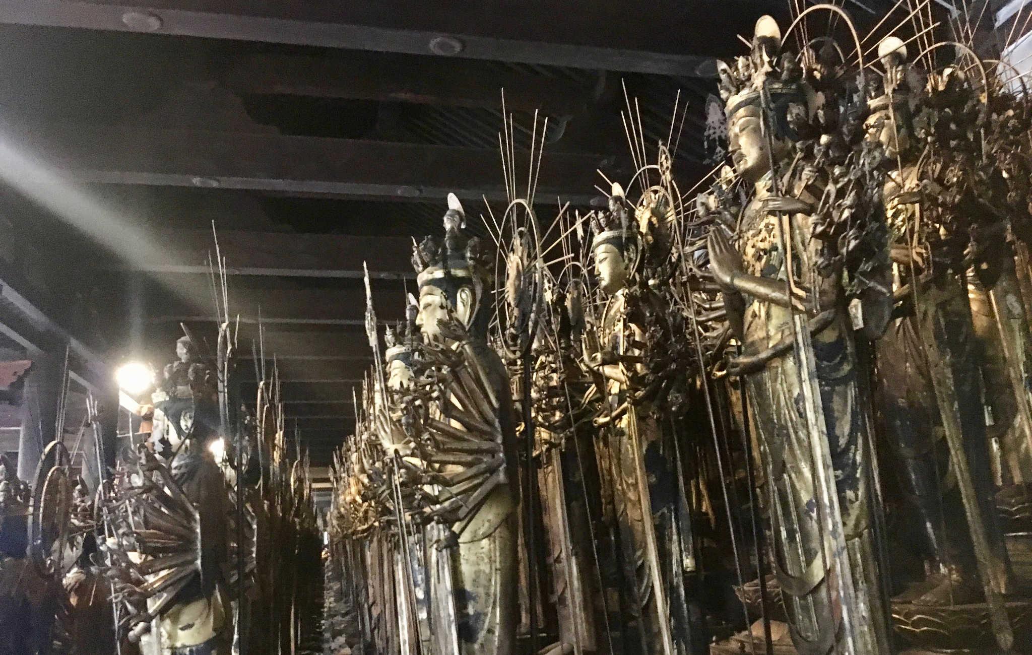Le spectacle éblouissant des 1000 statues de la déesse Kannon