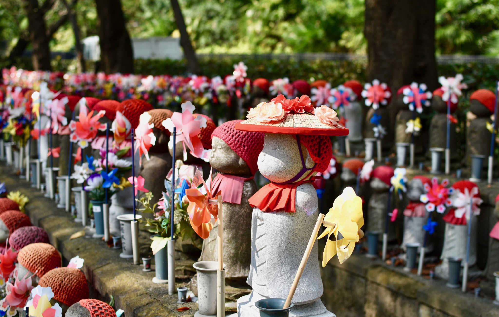 Chaque statue a pour but d'apporter la bonne fortune à un enfant