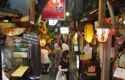 Omoide Yokocho à Tokyo, l'ambiance inimitable de ses petits restaurants